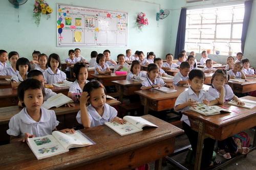 Theo UBND TP Biên Hòa thì trong thời gian tới sẽ có nhiều giải pháp nhằm chấm dứt tình trạng dồn lớp, học ca 3 ở các trường học như hiện nay. Ảnh: Hoàng Trường