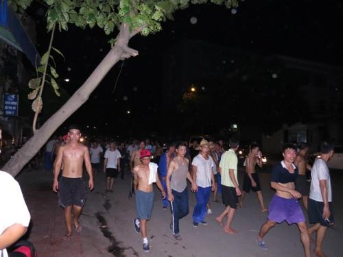 Hơn 400 học viên cai nghiện phá trung tâm, kéo về TP Hải Phòng