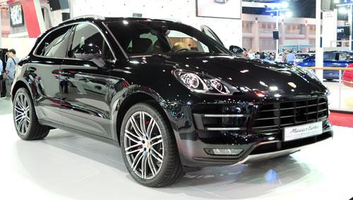 Porsche Macan giá 2,7 tỷ đồng tại Việt Nam