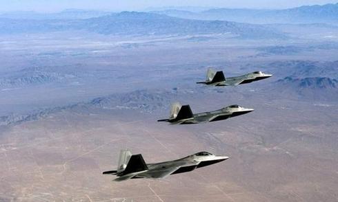 Mỹ đưa dàn vũ khí tối tân không kích Syria