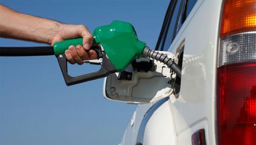 Ôtô có cần đổ xăng đắt tiền?