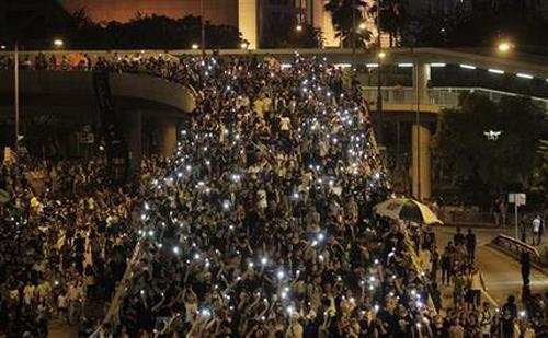 Người biểu tình Hong Kong dọa chiếm các tòa nhà chính quyền