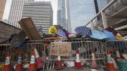 """""""Đó là điều đặc trưng tôi cảm nhận được tại những nơi đi qua trong chiều nay. Hào hiệp và lịch sự"""", Collier Nogues, một người dân Hong Kong, cho biết. Ảnh: BBC."""