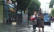 Người Sài Gòn lại khốn khổ vì ngập