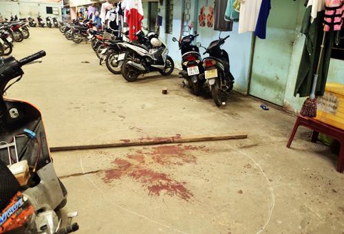 Hai anh em sinh viên bị đâm gục trong dãy trọ