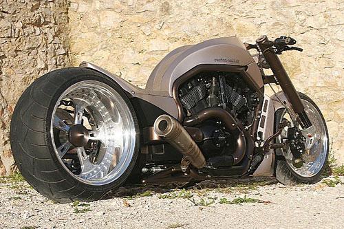 Harley-V-Rod-X-4-4726-1381972214.jpg