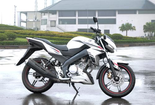 Xe ga cao cấp hay môtô cỡ nhỏ - lựa chọn khó cho nam giới Việt