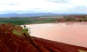 Tràn bùn đất đỏ tại mỏ bôxít nhôm Lâm Đồng