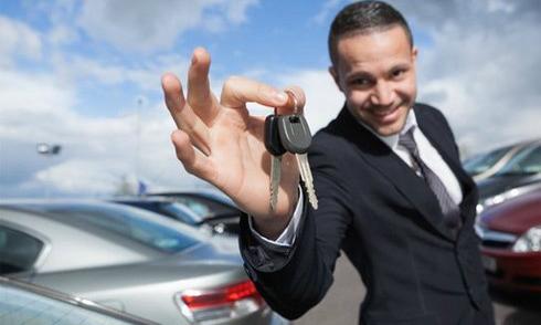 Thu nhập bao nhiêu để tự tin đi xe hơi?