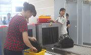 Nữ hành khách bị phạt vì xé áo nam nhân viên hàng không