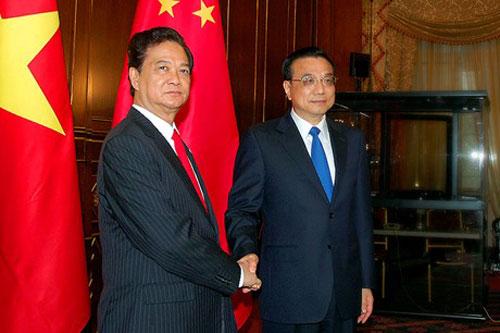 [Caption]Thủ tướng Nguyễn Tấn Dũng gặp Thủ tướng Trung Quốc Lý Khắc Cường. Ảnh: VGP/Nhật Bắc