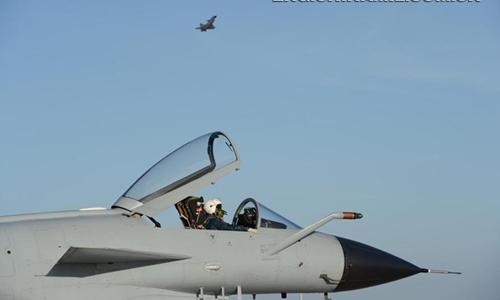 Trung Quốc ráo riết tuyển phi công trên tàu sân bay