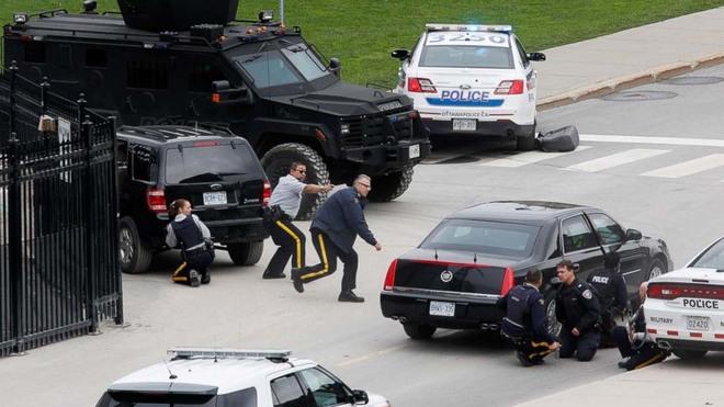 Cảnh sát Canada áp sát tòa nhà Quốc hội sau vụ nổ súng