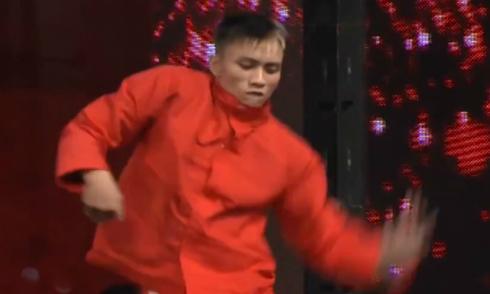 Chàng trai bán kẹo gây sốt Vietnam's Got Talent