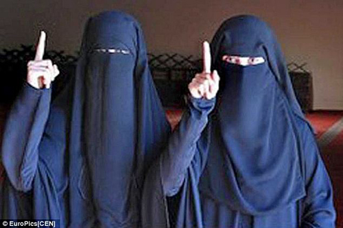 Cô dâu Áo ca ngợi cuộc sống với phiến quân Hồi giáo