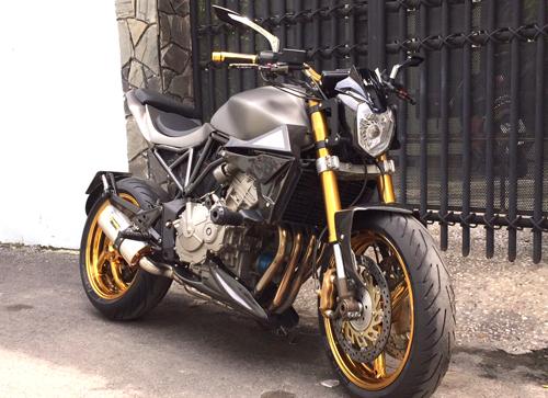 Honda Hornet 600 độ streetfighter của thợ Sài Gòn