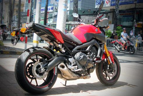 Yamaha-MT09-2.jpg