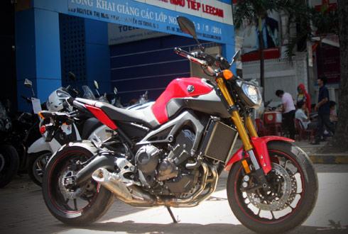 Yamaha-MT09-3.jpg