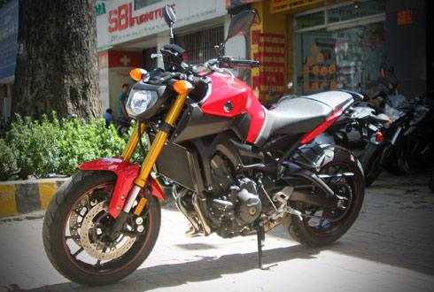 Yamaha-MT09-4.jpg