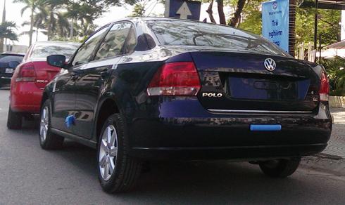 Mẫu xe được bảo hành 2 năm không giới hạn km.