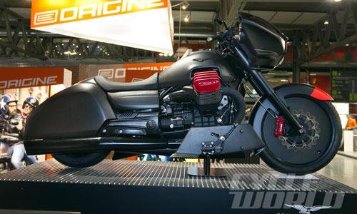 Moto-Guzzi-MGX-21-EICMA-5-8674-141558834