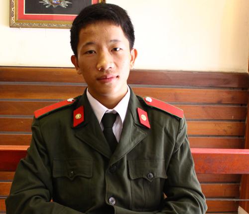 Chàng trai đầu tiên của Sủng Là vào Học viện An ninh