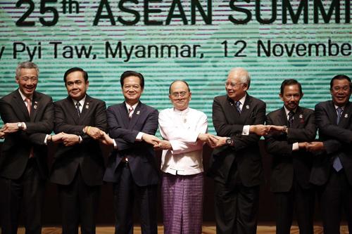 Thủ tướng nêu quan ngại về hoạt động bồi đắp ở Biển Đông