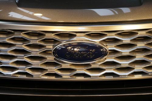 2016-Ford-Explorer-15.jpg