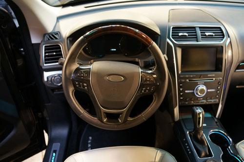 2016-Ford-Explorer-20.jpg