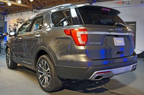2016-Ford-Explorer-7.jpg