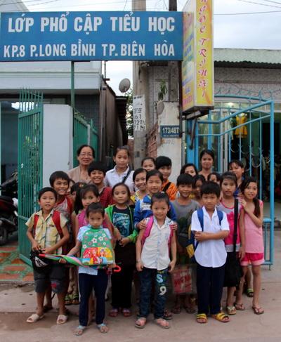 Lớp học tình thương đã dạy chữ cho hơn 500 trẻ. Ảnh: Hoàng Trường