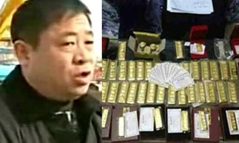 Quan nhỏ ngồi trên đống vàng to ở Trung Quốc