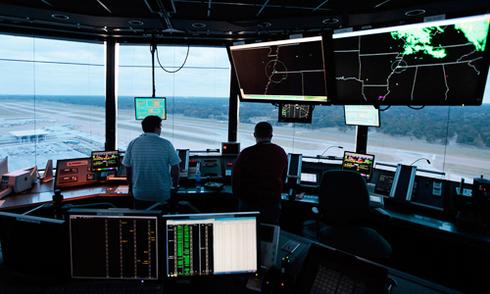 Đài kiểm soát không lưu Tân Sơn Nhất gặp sự cố như thế nào