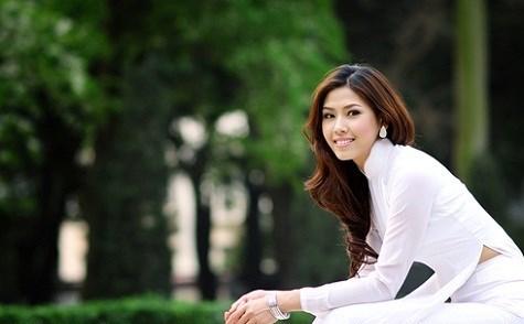 Video nói tiếng Anh của hoa hậu Nguyễn Thị Loan bị chê