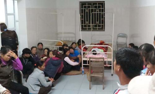 Sản phụ tử vong, hàng trăm người vây trạm y tế