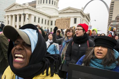 Biểu tình lan rộng, cảnh sát Mỹ bắt hơn 400 người