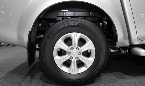 Nissan-Navara-5.jpg