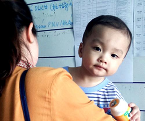 Mẹ bé trai bị bỏ rơi được bảo lãnh khỏi trung tâm cai nghiện