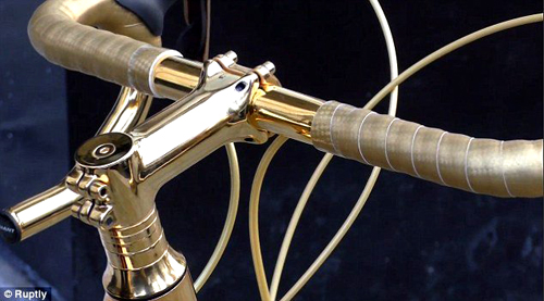 Goldgenie-golden-bicycle-03-handlebar-pa