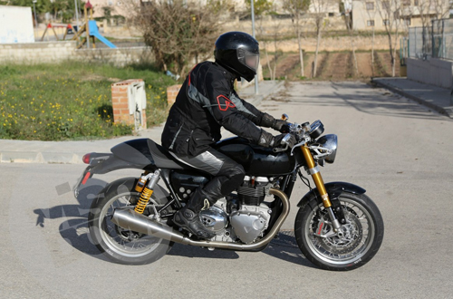 new-triumph-cafe-racer-spied-i-9293-8841