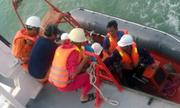 Vớt 2 xác nghi là của thuyền viên trên sà lan mất tích