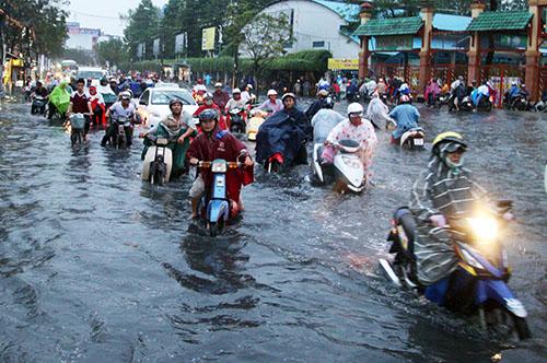Tình trạng lụt ở các thành phố lớn