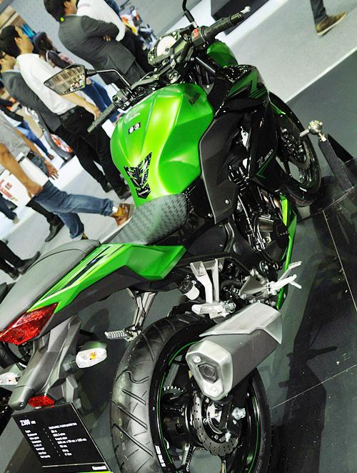 Kawasaki-Z300-2015-10_1419841777.jpg