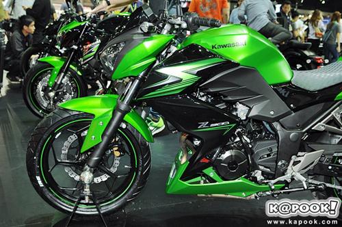 Kawasaki-Z300-2015-5.jpg