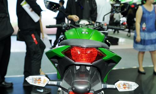 Kawasaki-Z300-2015-8.jpg