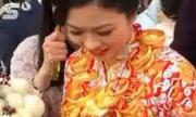 'Cô dâu vàng ròng' đeo 5kg vàng trong ngày cưới