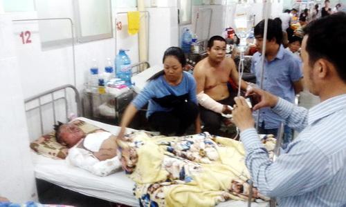 Anh Liêm đang điều trị tại bệnh viện đa khoa Đồng Nai. Ảnh: Hoàng Trường