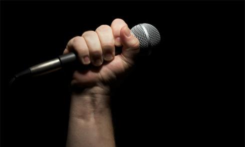 Sát hại bạn thân vì tranh hát karaoke