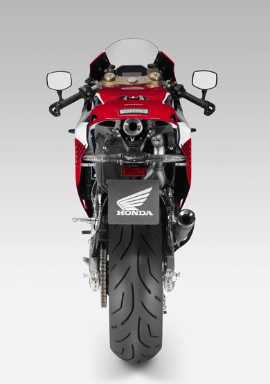 2015-Honda-RC213V-S-prototype-07-1415094