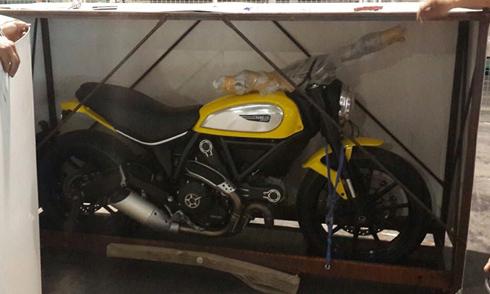 Ducati Scrambler đầu tiên cập cảng Sài Gòn